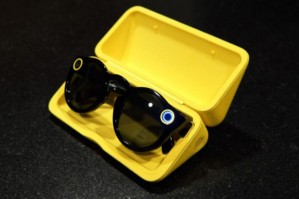 Spectacles_Case_Small-1200x800